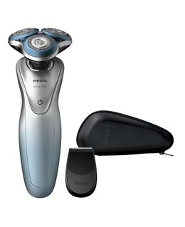 7000 Series Wet & Dry Electric Shaver with SmartClick Trimmer Travel Case