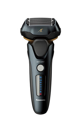 5 Blade 3D Linear Shaver with Clean & Charge Station