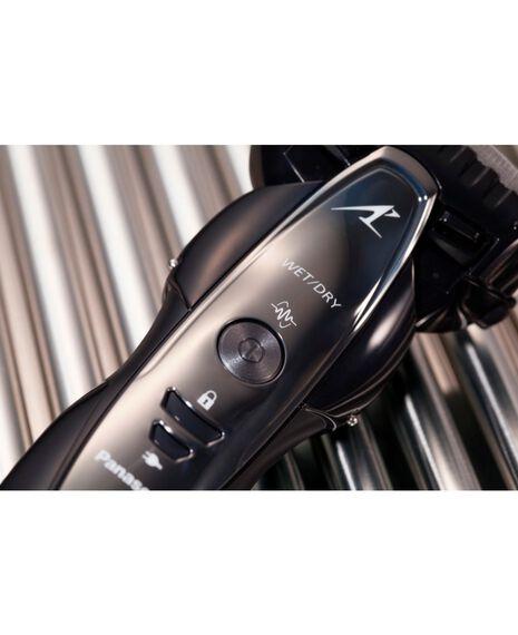 3 Blade ES-ST29-K841 Electric Shaver