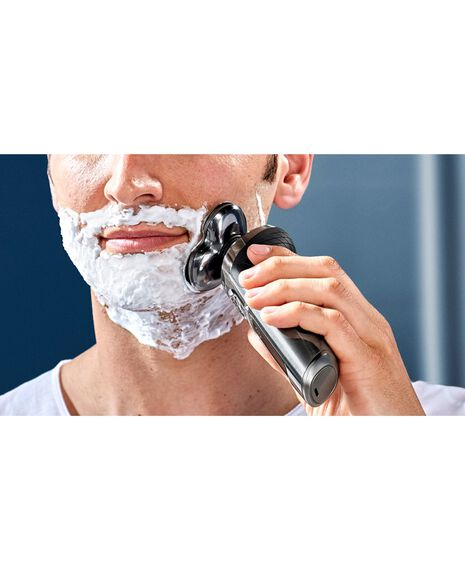 Series 9000 Wet & Dry Prestige Electric Shaver
